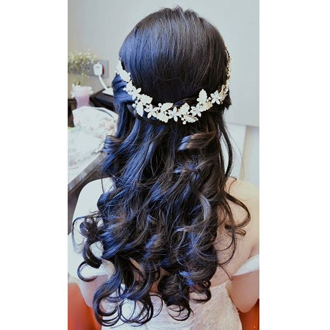 Half Up & Let Down & Pony Bridal Hairstyles by Après Makeup - 001