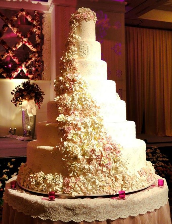 7 tier wedding cakes 7 tiers wedding cake by lenovelle cake bridestory 10511