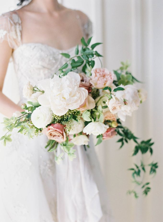 Blue & White Garden Wedding at Carneros Inn by Jen Huang Photo - 019