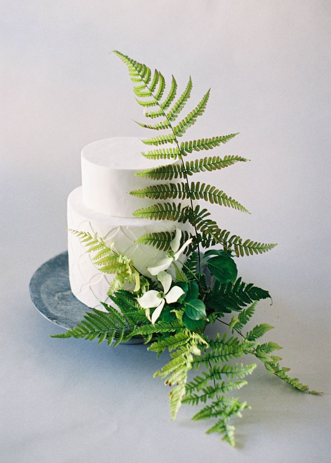 Lush Botanical Cake Design Inspiration for the Naturalist Bride by Jen Huang Photo - 011