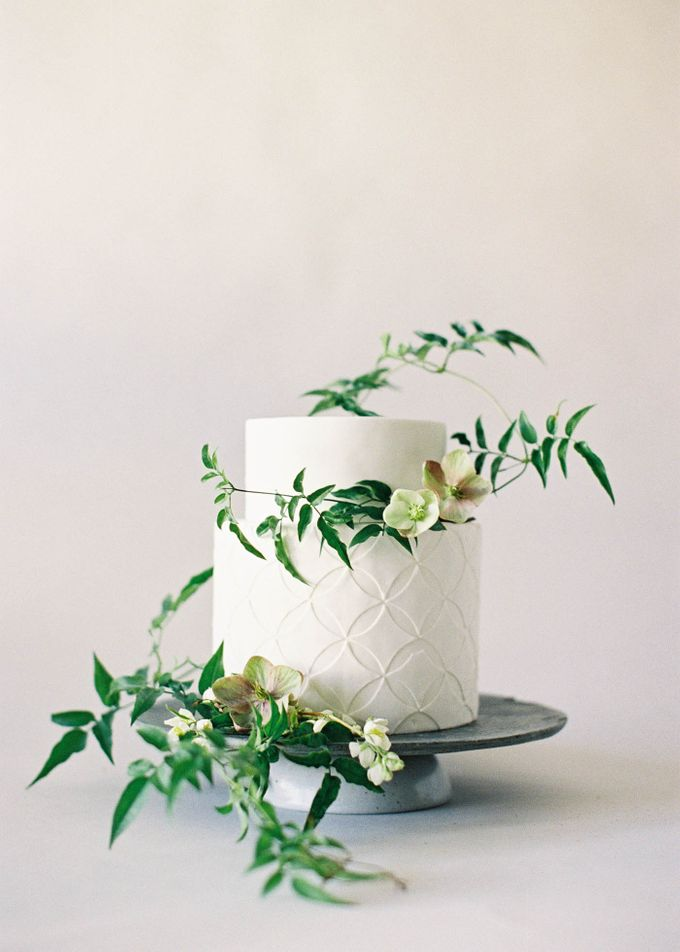 Lush Botanical Cake Design Inspiration for the Naturalist Bride by Jen Huang Photo - 012