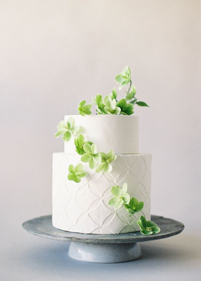 Lush Botanical Cake Design Inspiration for the Naturalist Bride by Jen Huang Photo - 015