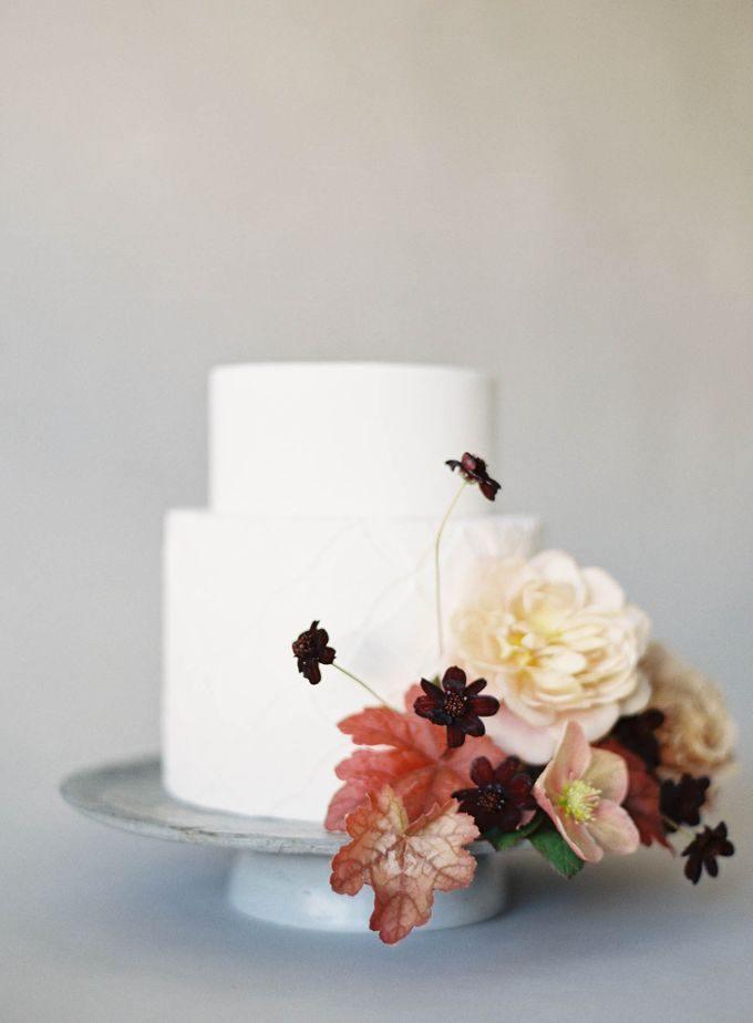 Lush Botanical Cake Design Inspiration for the Naturalist Bride by Jen Huang Photo - 018
