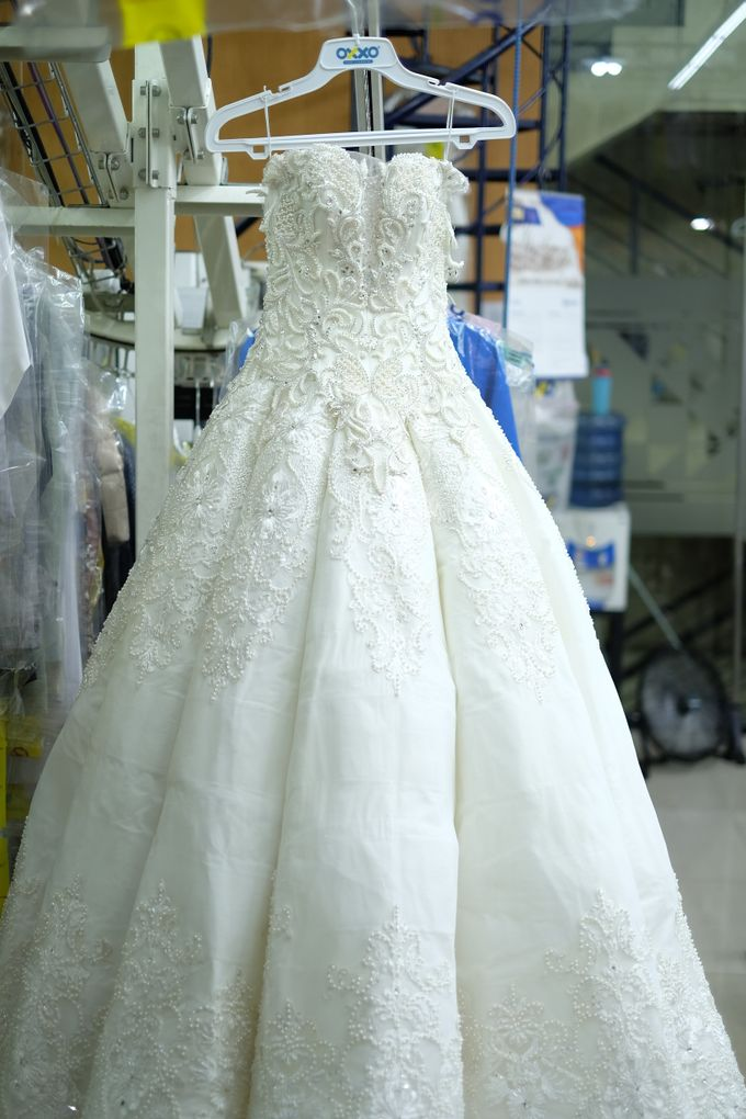 Add To Board Wedding Dress Dry Cleaning by OXXO Care Cleaners   eco  friendly dry cleaning   002Wedding Dress Dry Cleaning by OXXO Care Cleaners   eco friendly  . Dry Cleaner Wedding Dress. Home Design Ideas
