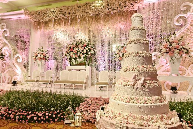 View Wedding Decor: Wedding Decorations By JW Marriott Hotel Jakarta