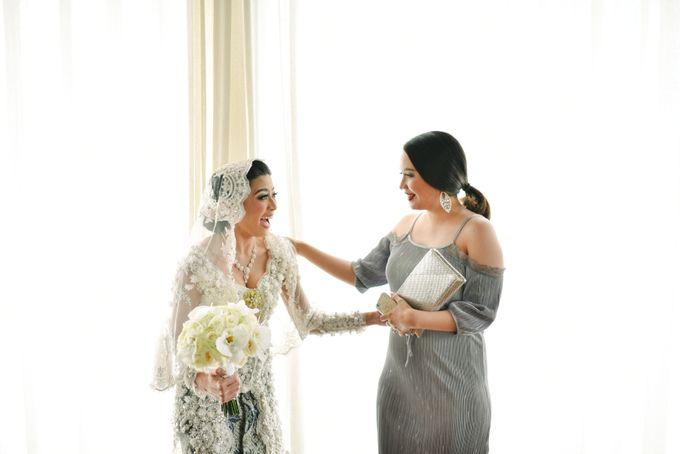Ayu Hastari & Ryoichi Hutomo Wedding Day by Thepotomoto Photography - 006