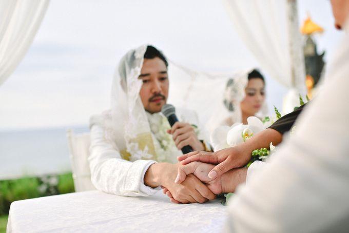 Ayu Hastari & Ryoichi Hutomo Wedding Day by Thepotomoto Photography - 015