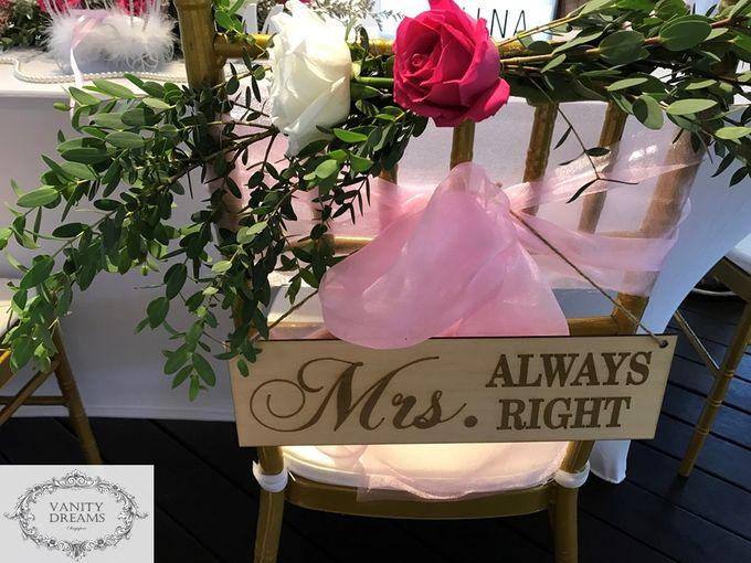 garden vanity wedding solemnization table styling fresh flowers set up by