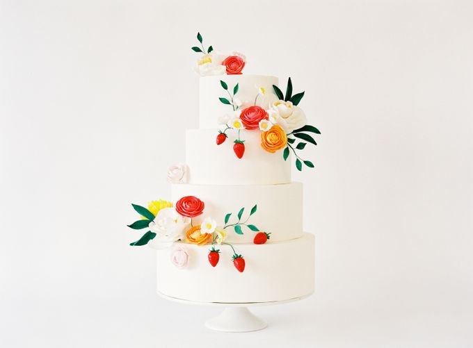 Colorful and Romantic Wedding Cake Inspiration by Jen Huang Photo - 012