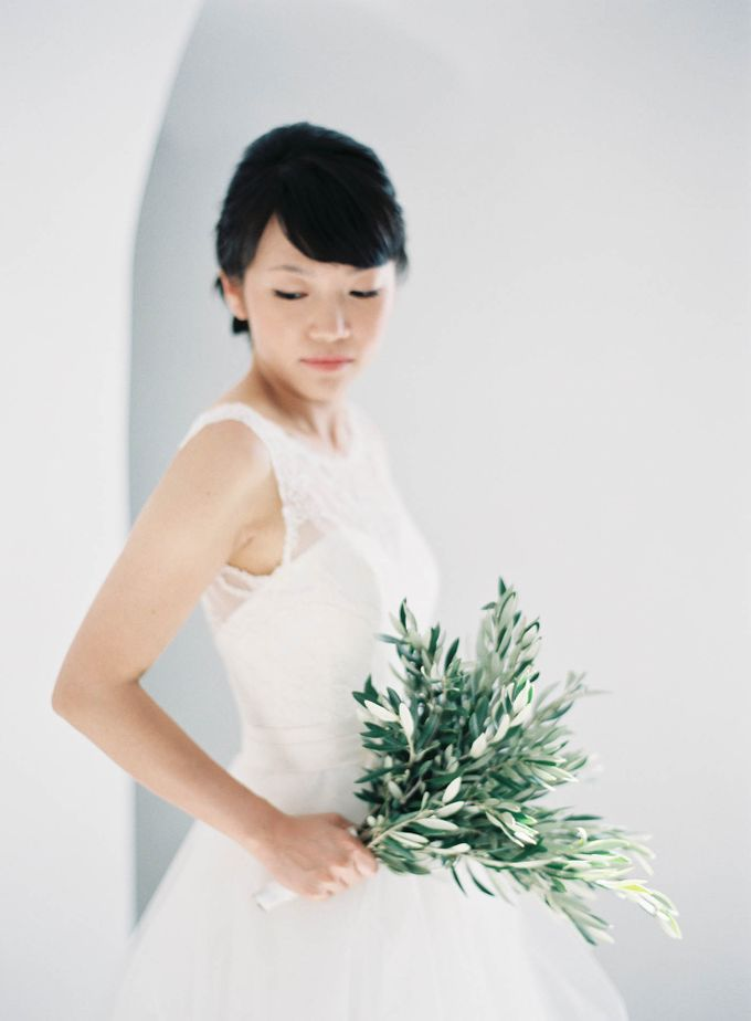 Classic and Beautiful Olive Green and Sea Blue Wedding in Santorini, Greece by Jen Huang Photo - 011