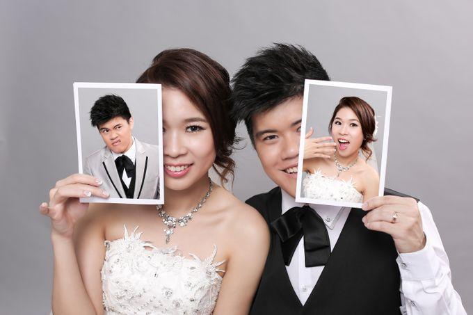 Studio Pre-Wedding Shoot by Memoire & Co - 050