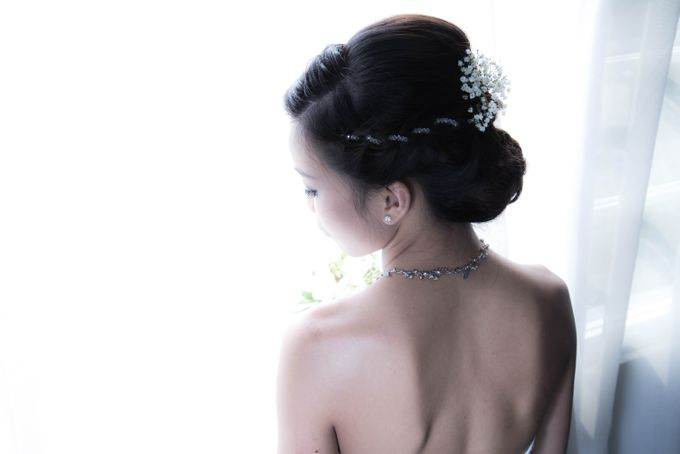 Bridal Makeup and Hairstyling for Pre-Wedding Shoot - Elegant, Youthful and Natural by Sylvia Koh Makeup and Hairstyling - 007