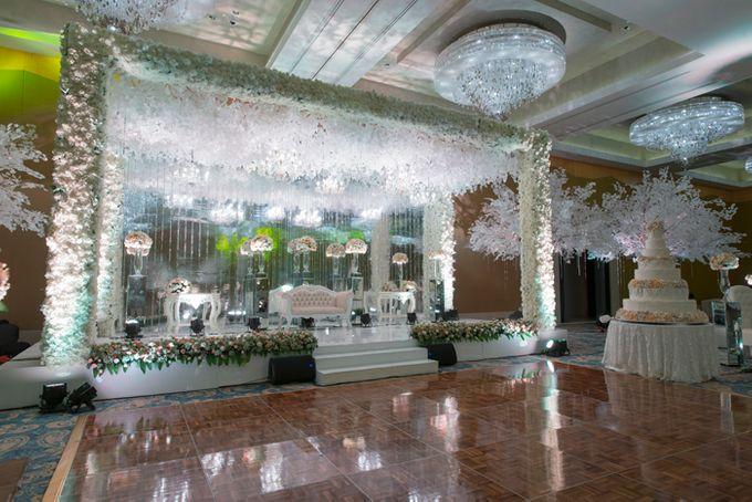 Wedding at Mulia Resort and Spa Bali by d\'Oasis Florist ...