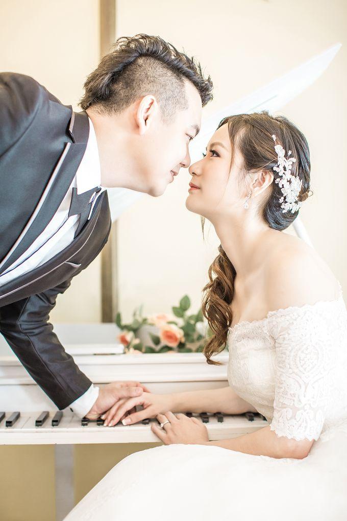 Studio Pre-Wedding Shoot by Memoire & Co - 035