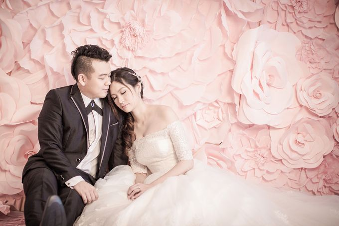 Studio Pre-Wedding Shoot by Memoire & Co - 038