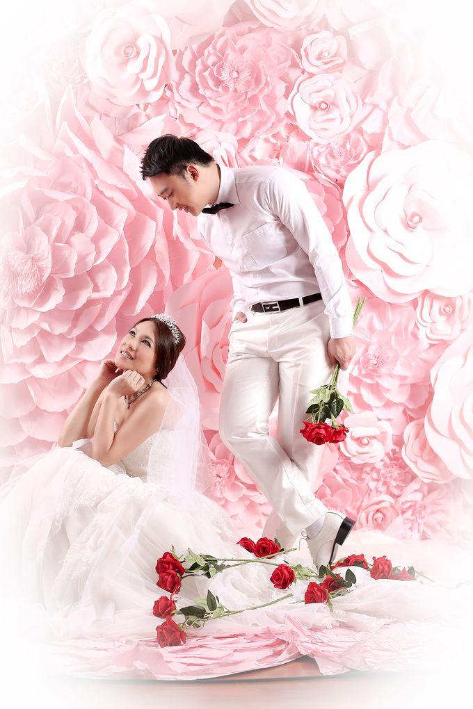 Studio Pre-Wedding Shoot by Memoire & Co - 043