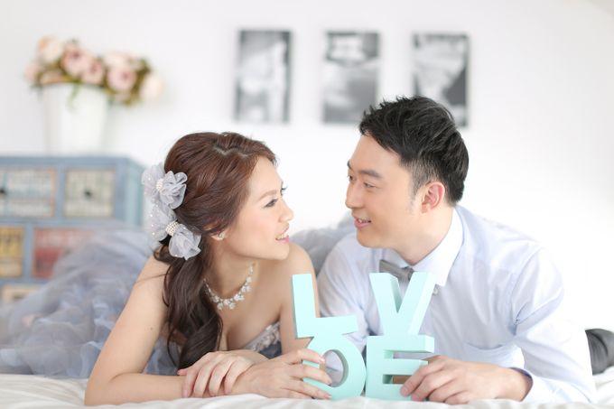 Studio Pre-Wedding Shoot by Memoire & Co - 044