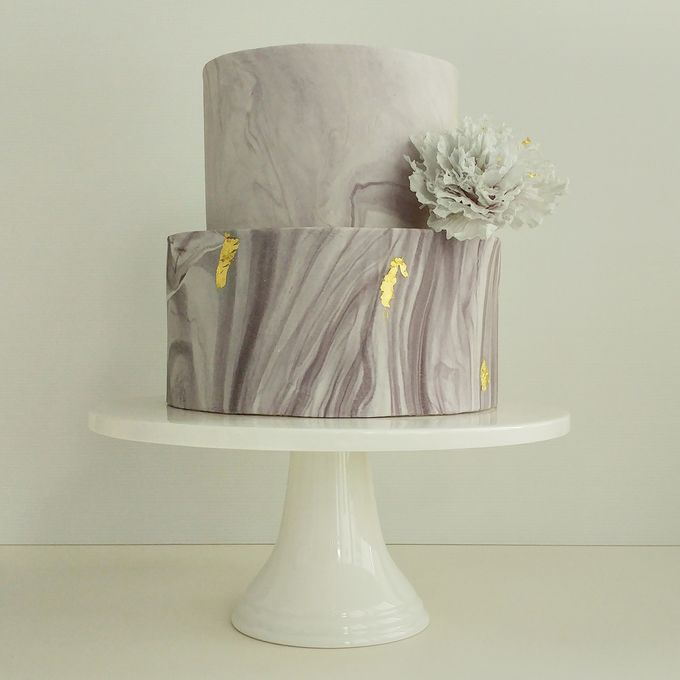 Single tier and multi tiered cakes by Baby Cakes - 030
