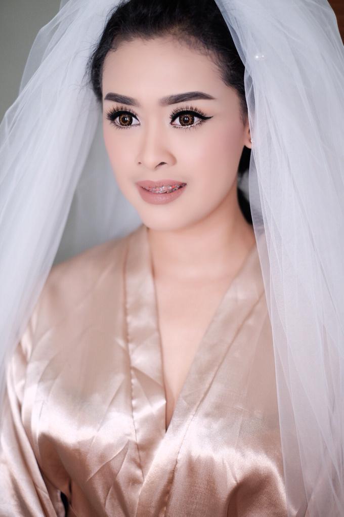 Untitled by Natalia Ingkiriwang Bride Make Up - 001