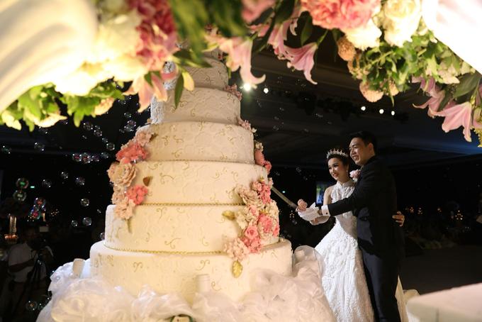 The wedding of gunawan yuliana by femys bridestory the wedding of gunawan yuliana by pf decoration 001 junglespirit Images