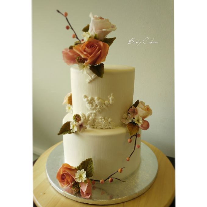 Single tier and multi tiered cakes by Baby Cakes - 039