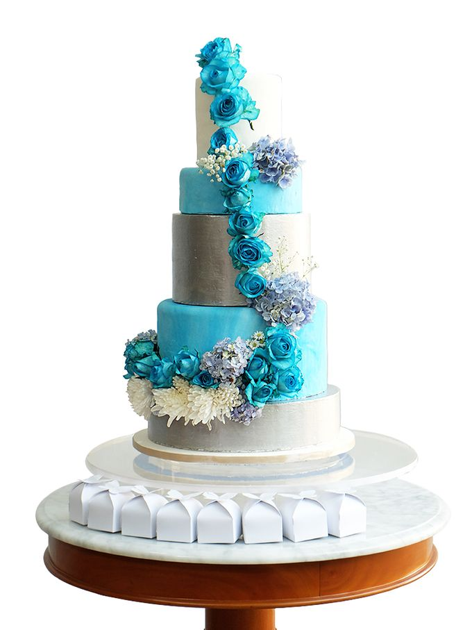 Wedding cakes and cupcakes by CUPCAKES COMPANY - 002