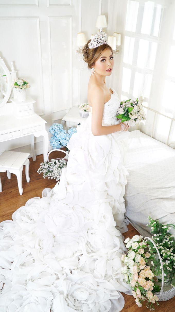 Lookbook Winona Bridal Collections by Winona Makeup & Bridal - 009