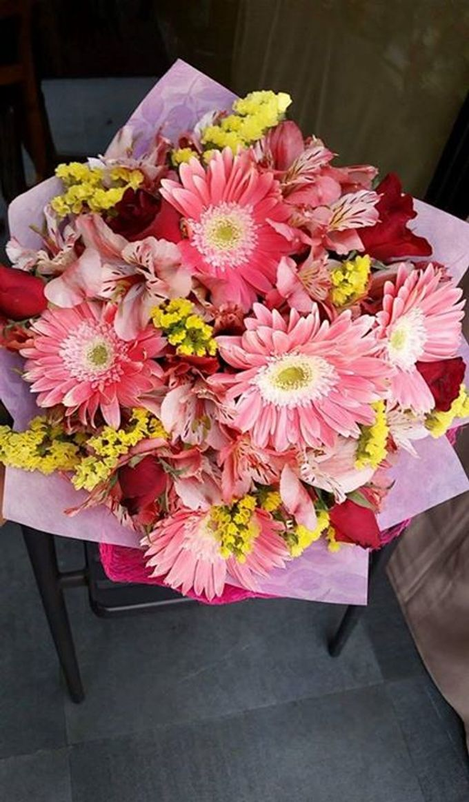 Special bouquets by flowers by party lovers bridestory add to board special bouquets by flowers by party lovers 017 dhlflorist Choice Image