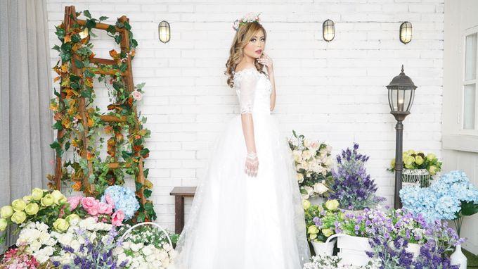 Lookbook Winona Bridal Collections by Winona Makeup & Bridal - 005