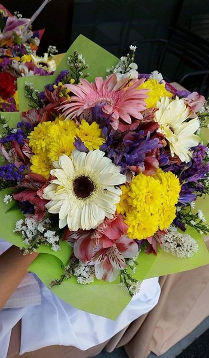 Special bouquets by flowers by party lovers bridestory add to board special bouquets by flowers by party lovers 015 dhlflorist Choice Image