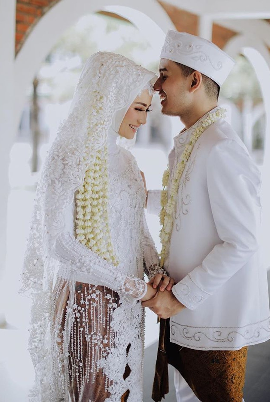 20 Hijab Wedding Dress Inspirations For Modest Brides