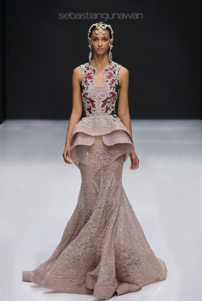 Sebastian gunawan makes history at paris haute couture for Haute couture history