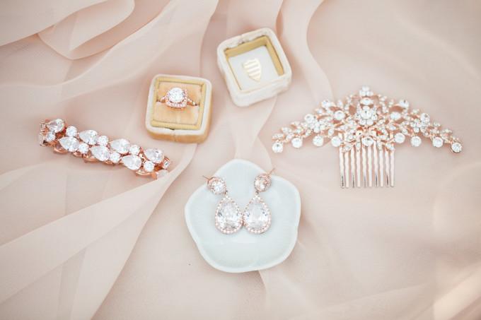"""Képtalálat a következőre: """"wedding accessories jpg"""""""