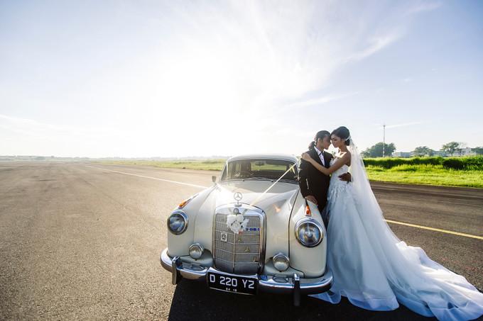 Fun Vintage Car Photoshoot Bridestory Blog
