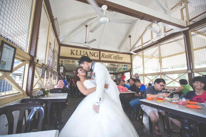 Leonard and ai lings nostalgic wedding bridestory blog add to board leonard and ai lings nostalgic wedding 081 junglespirit Gallery