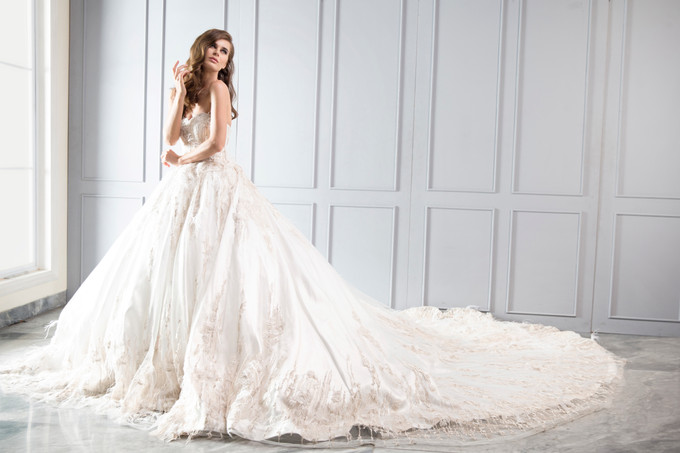 Add To Board Cynthia Tan The Rising Star Behind Your Dream Wedding Dress