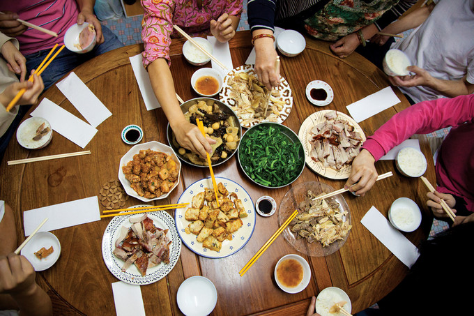 10 tips to survive chinese new year reunion dinner 001 - Chinese New Year Dinner