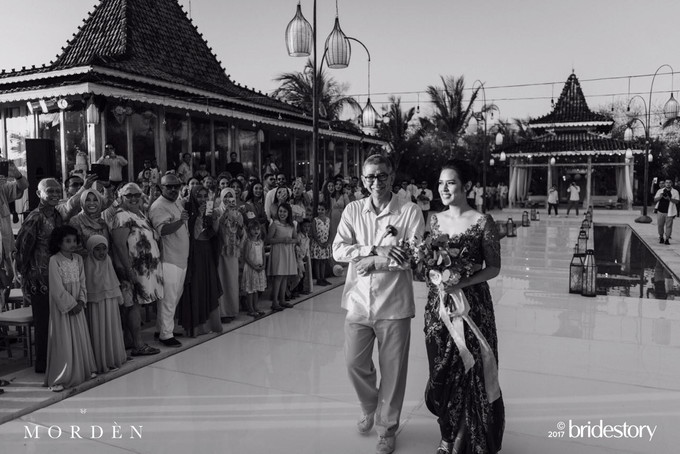 Add To Board Love In Bali Raisa Andriana And Hamish Daud Wyllies Wedding Reception Party