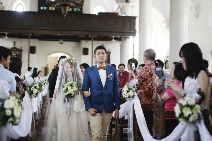 An industrial themed rustic wedding in semarang bridestory blog add to board an industrial themed rustic wedding in semarang 009 junglespirit Images