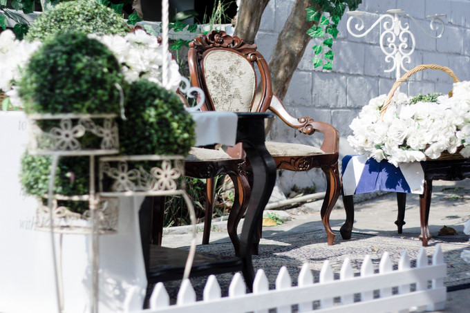 A kinfolk inspired backyard wedding in bandung bridestory blog a kinfolk inspired backyard wedding in bandung 002 junglespirit Image collections