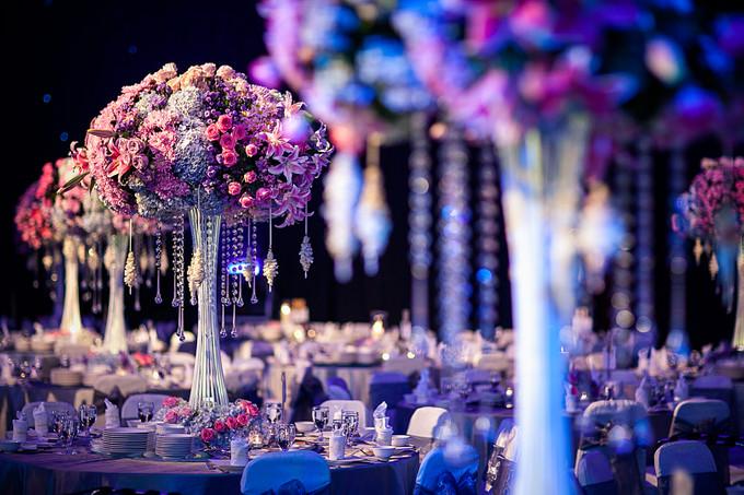 Glamorous wedding with grand orchestra in surabaya bridestory blog add to board glamorous wedding with grand orchestra in surabaya 003 junglespirit Images