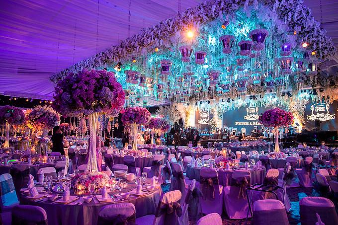 Glamorous wedding with grand orchestra in surabaya bridestory blog add to board glamorous wedding with grand orchestra in surabaya 004 junglespirit Images