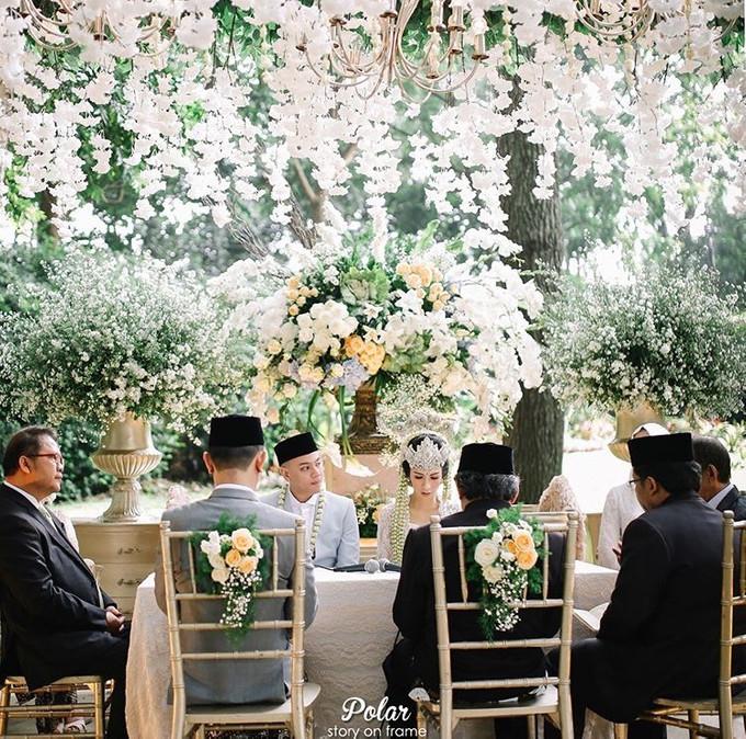 Pernikahan Outdoor Adat Sunda Yang Elegan Di Bandung Bridestory Blog