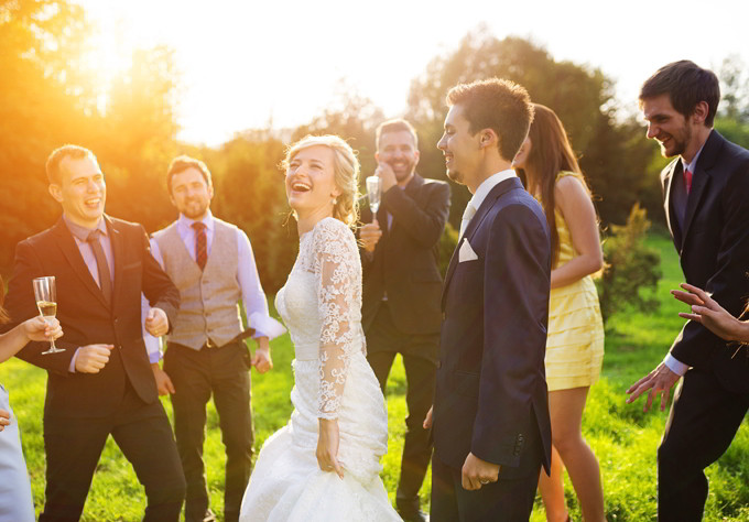 Fun Wedding Games And Entertainment Ideas Bridestory Blog