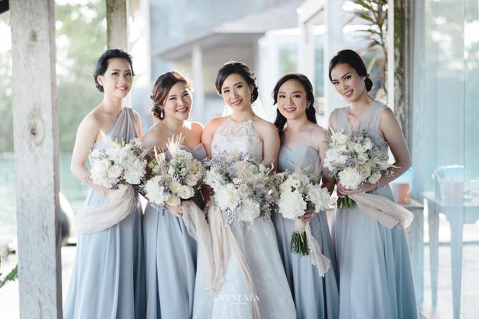 Pernikahan Outdoor Dengan Kombinasi Warna Lembut Di Bali