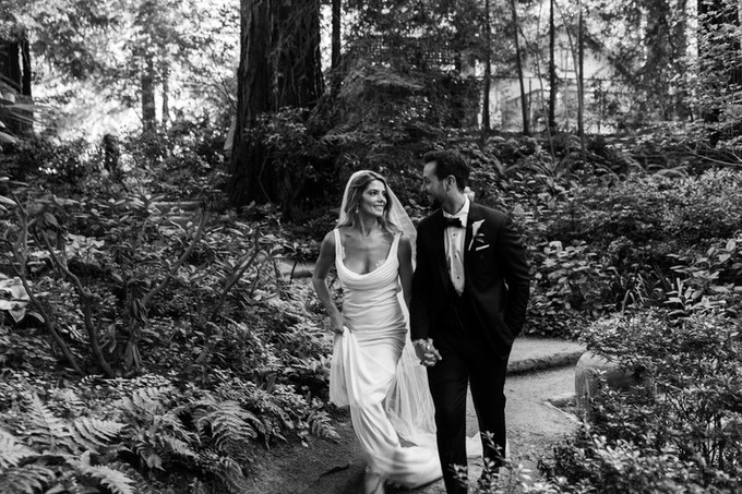 Pernikahan Bintang Twilight Ashley Greene Dan Paul Khoury Di Tengah Hutan - 008