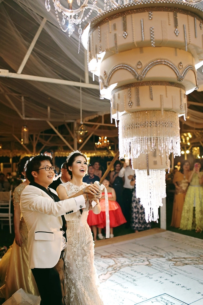 A Travel Themed Wedding In Bali With Rustic Elegant Dcor