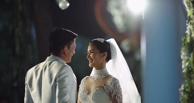 ee0ef099a27 Heart Evangelista and Francis Escudero s Island Wedding - Bridestory ...