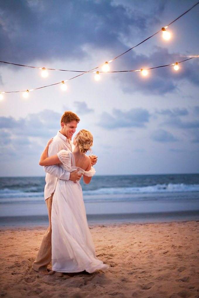 Groove Up Your Beach Wedding With This Summer Themed Playlist
