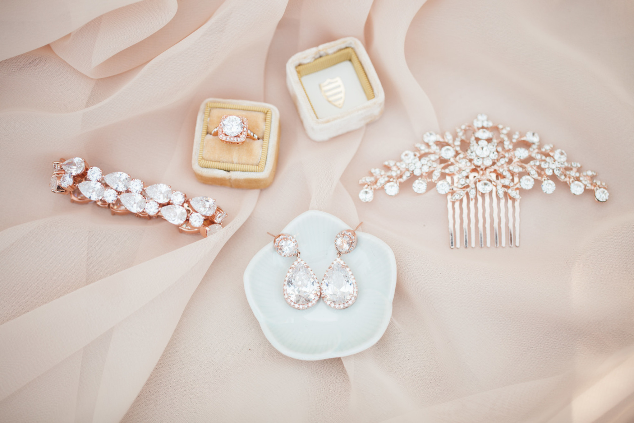 How to Choose the Right Bridal Accessories - Bridestory Blog
